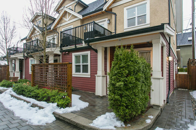 Modern 3 bedroom, furnished Townhouse  – 4331 Knight Street
