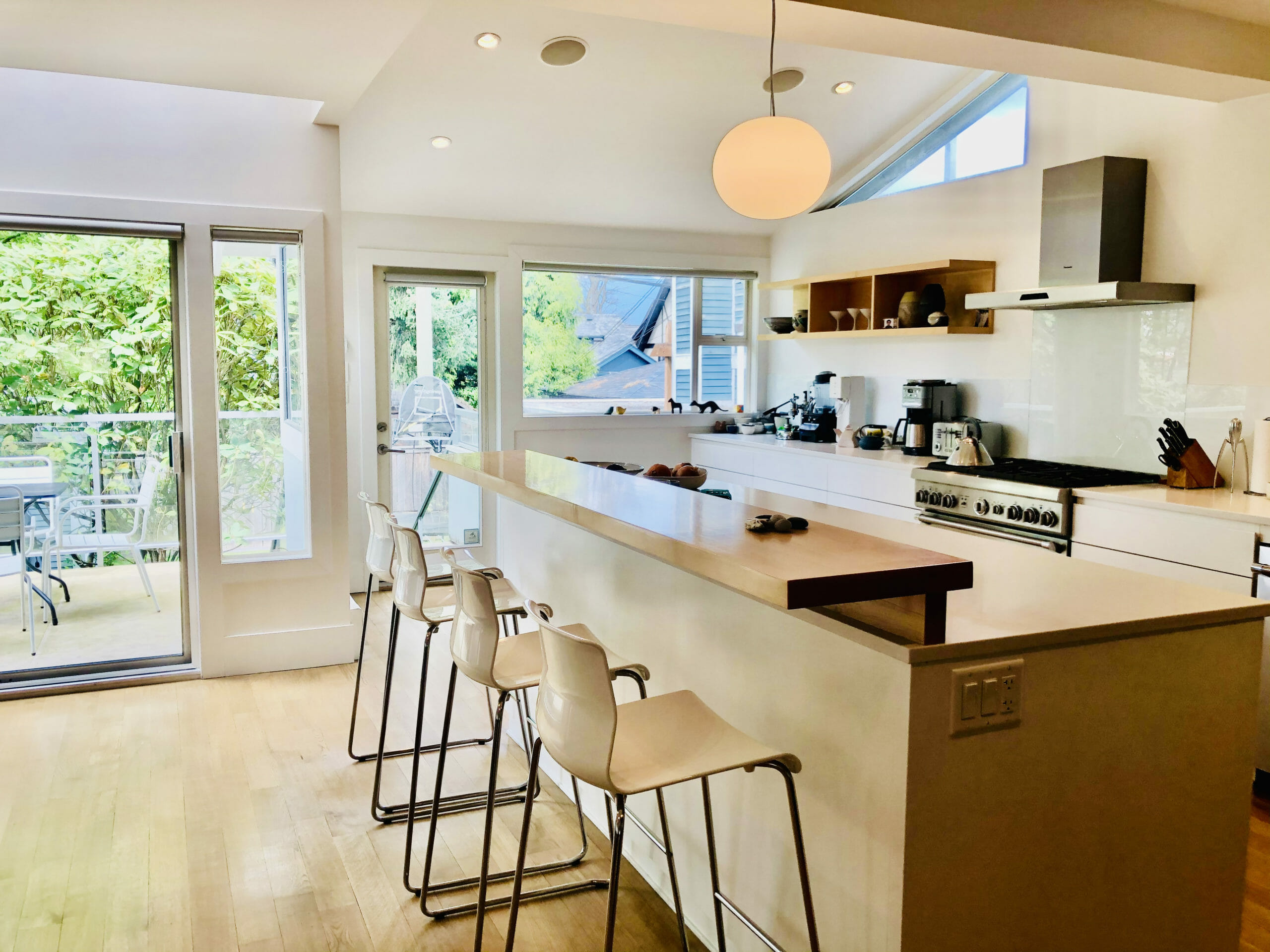 $12,000 / 4br – 3300ft2 – Prime Kits Location – Fully Furnished Beauty!!! (Kitsilano)